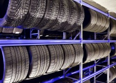 Яка гума на зиму краще, шипована або без шипів?