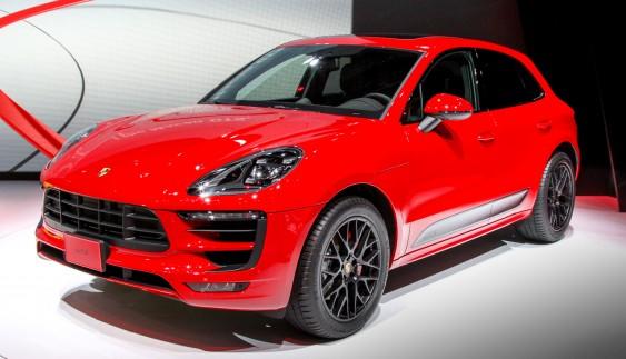 Porsche показав новий спортивний кросовер