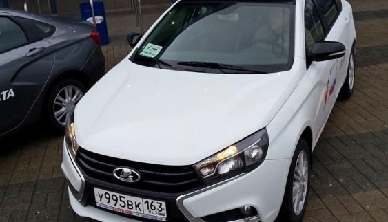 Lada Vesta отримала дивний заводський тюнинг (фото)