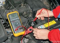 Як перевірити акумулятор тестером