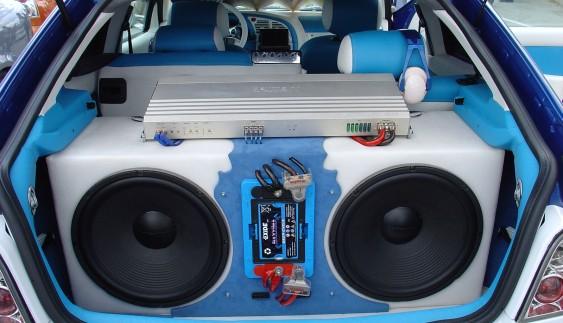 Как сделать акустику в машине