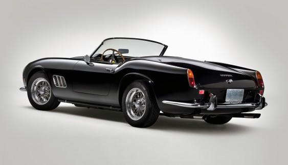 Топ – 15. Класичний дизайн спортивних автомобілів (15 фото)