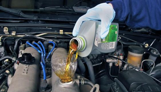Чи можна змішувати автомобільні масла різних виробників?