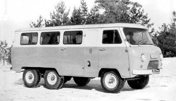 УАЗ-452К – експериментальний автобус з колісною формулою 6х4