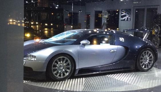 Одине із найдорожчих авто стало жертвою вандалів (фото)