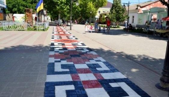 Український патріотизм поширюється і на дорогах країни (фото)
