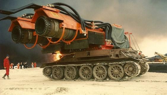 """Пожежна машина """"Вітерець"""" на базі танка Т-34"""