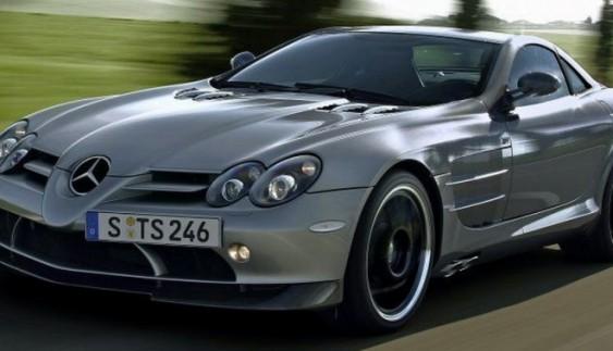 Mercedes-AMG покаже гібридного наступника моделі SLR в 2018 році
