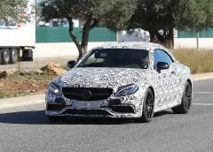 Mercedes вперше вивів на тести розкішний AMG C63