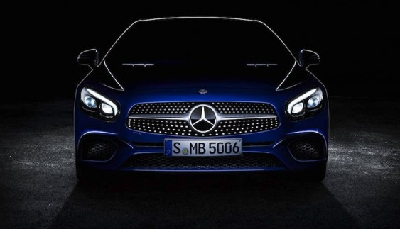 Mercedes показав дизайн оновленого родстера SL