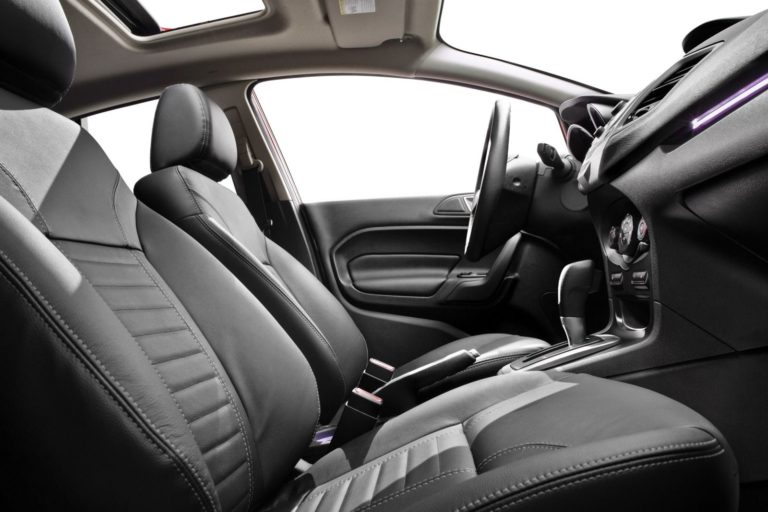 2015_Ford_Fiesta_S_4dr_Sedan_16L_4cyl_5M_3718584