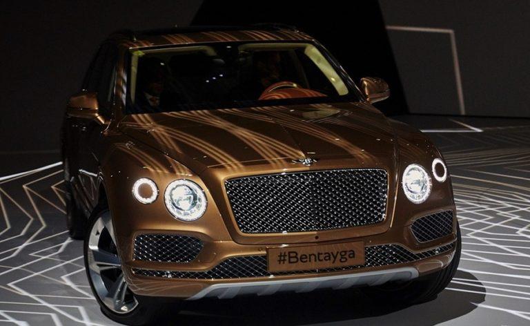 2016-bentley-bentayga-makes-world-debut-in-gold-at-frankfurt-live-photos_1