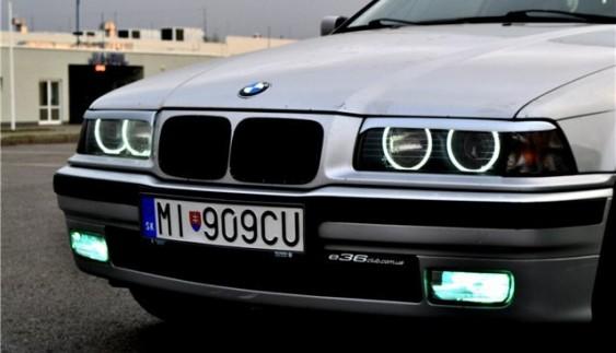 Як офіційно їздити на нерозмитнених авто в Україні