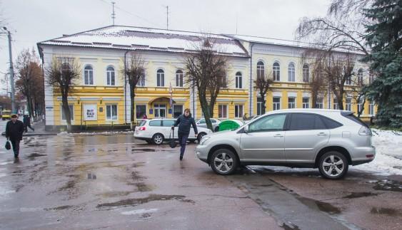 """Титул """"герой парковки"""" сьогодні отримують депутати"""