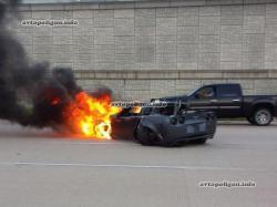 Як розбити авто на швидкості 240 км/год і залишитися живим? (відео)