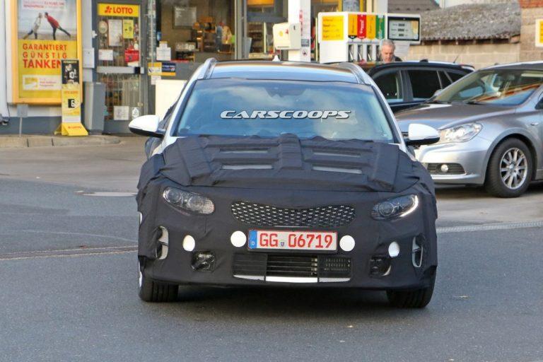 kia-optima-wagon-spy-photo-2