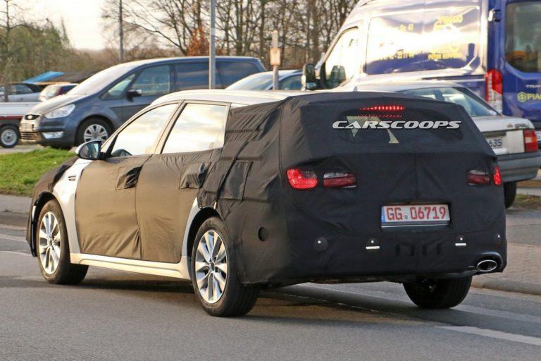 kia-optima-wagon-spy-photo-4