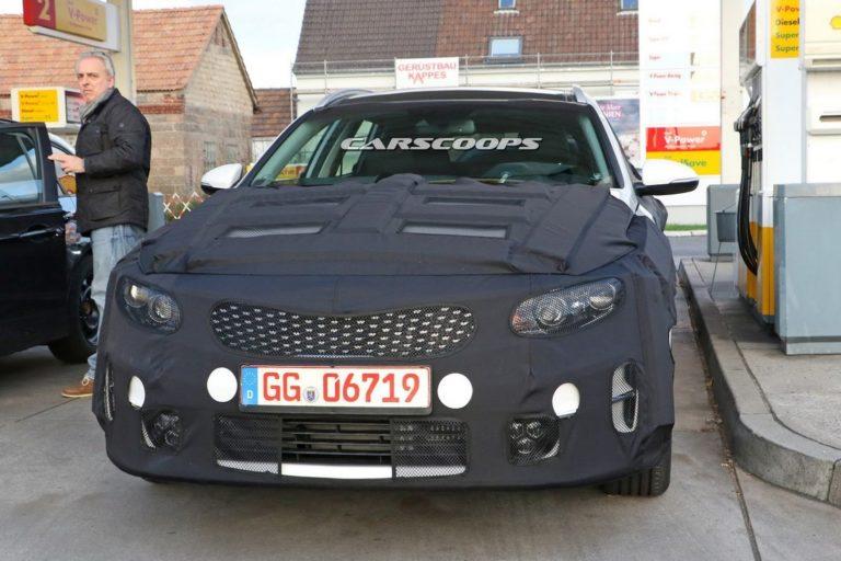 kia-optima-wagon-spy-photo-7