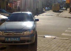 Франківські поліцейські показали майстер-клас хамського паркування (фото)