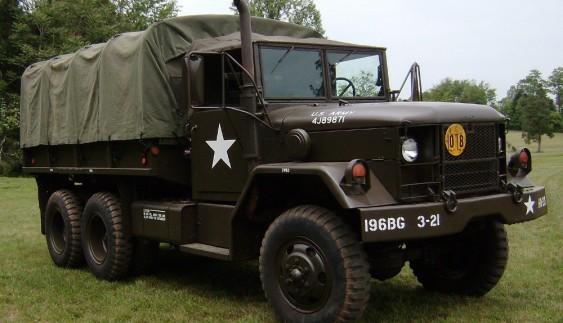 М-35 – американська вантажівка 1950 року універсального призначення