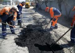 """На дороги України виділено """"забагато"""" грошей"""