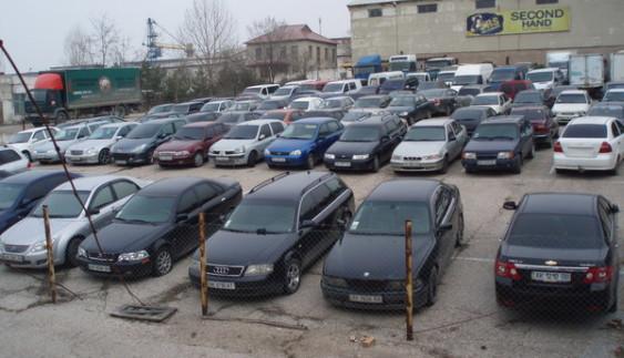 Скільки сьогодні конфіскованих авто на складах митниці ДФС