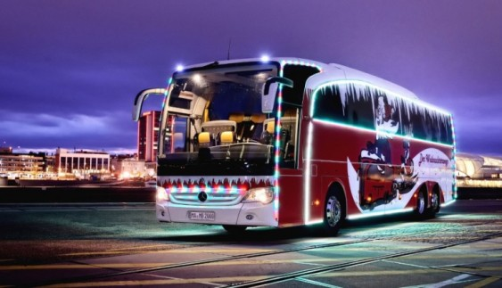Mercedes побудував унікальний автобус Christmas Travego