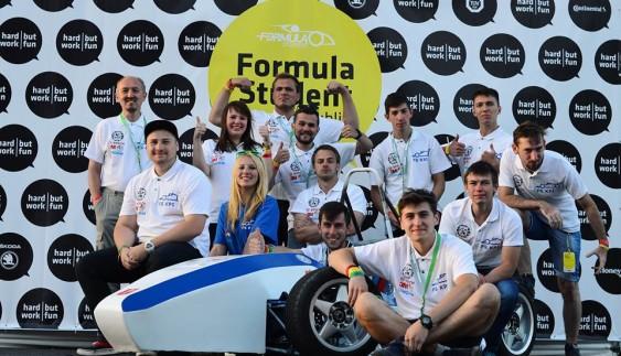 Українські студенти за 4500 євро побудували гоночний болід