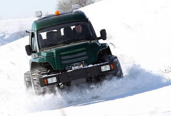 1450075688_belorusskiy-vezdehod-mas-dlya-arkticheskogo-bezdorozhya-foto-2