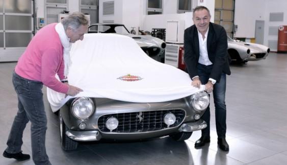 Відреставрували один з найдорожчих у світі автомобіль (відео)