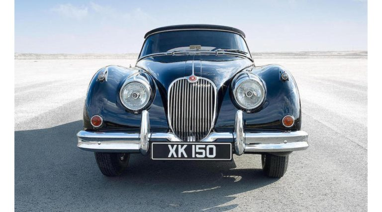 1960-Jaguar-XK150-02