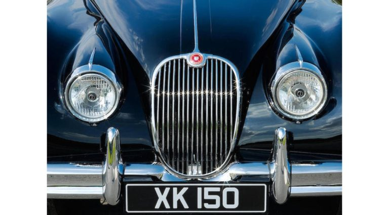 1960-Jaguar-XK150-03