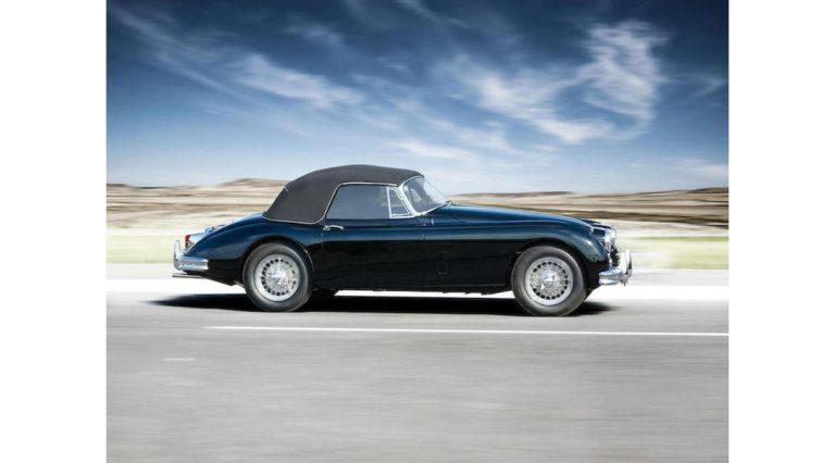 1960-Jaguar-XK150-04