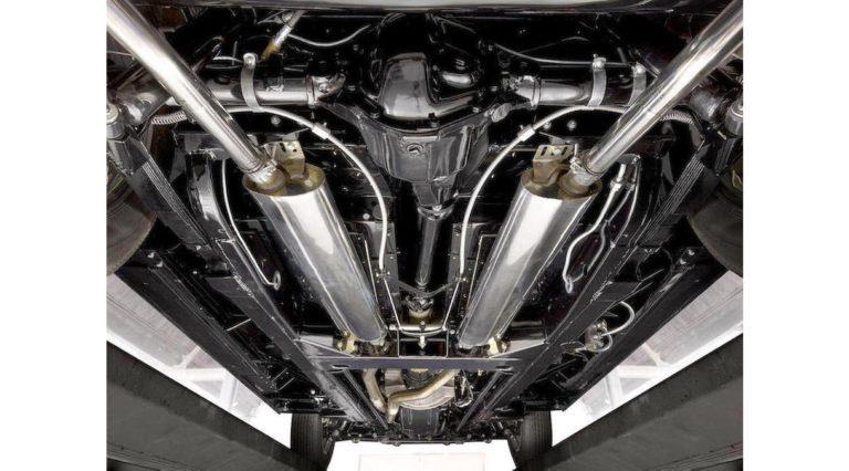 1960-Jaguar-XK150-10