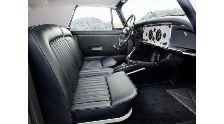 1960-Jaguar-XK150-14