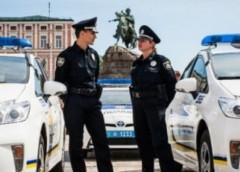 Скільки службових авто розбили поліцейські за пів року роботи