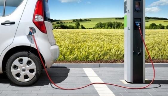 Що дасть Україні скасування мита на електромобілі