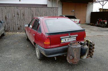 Скільки авто в Україні їздять на дровах