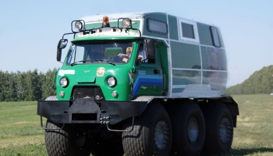 """Багатоцільова комбінована машина """"Мурашка"""" на базі УA3-3303"""