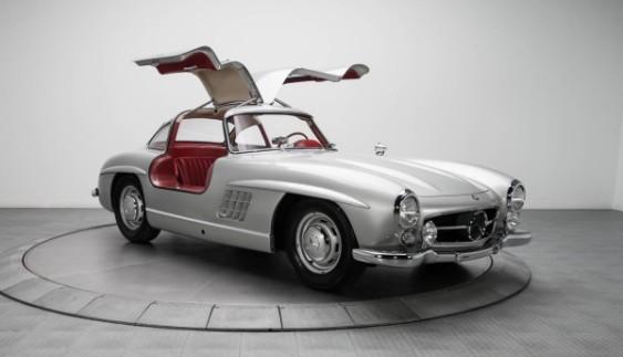 Рідкісний Mercedes-Benz 300 SL продали за рекордну суму