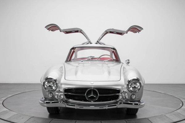 Mercedes-Benz-300-SL-2