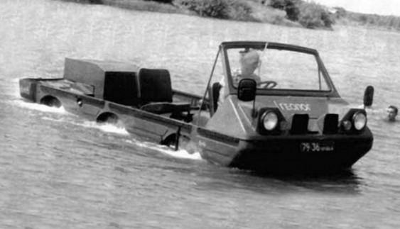 """ЛуАЗ-1901 """"Геолог"""" – волинський позашляховик, який вміє плавати (Фото)"""