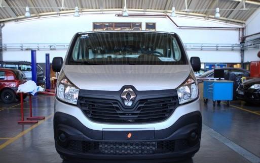Renault представила автомобіль на використаних батарейках