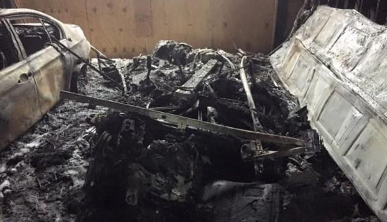 Навіть не металобрухт: що залишається від електромобіля після пожежі