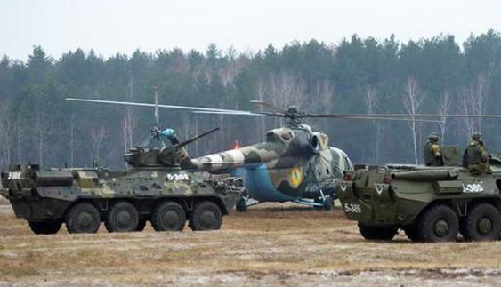 Автомобілі та бронетехніка на навчаннях спецназу Нацгвардії (ВІДЕО)