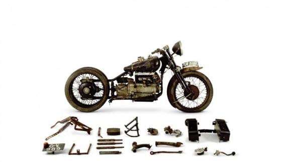 Надзвичайно рідкісний старовинний мотоцикл Brough Superior Austin Four