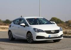 Новий Opel Astra помітили на дорогах під час тестів