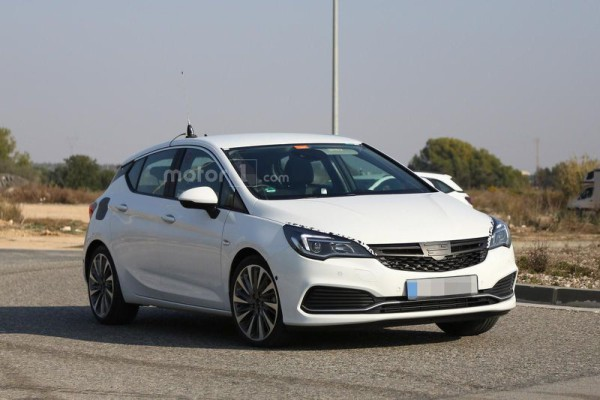 opel-astra-gsi-spy-photo