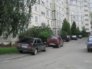 У Харкові поліцейські евакуювали на штрафмайданчики майже дві сотні машин