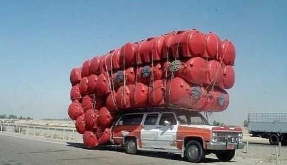 Вражаюче: перевантажені транспортні засоби, які все одно їдуть (Фото)